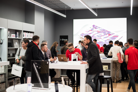 Grand opening of new a APR i-Store in Minsk